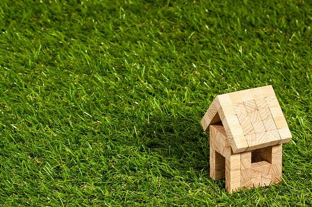dřevěný domeček.jpg