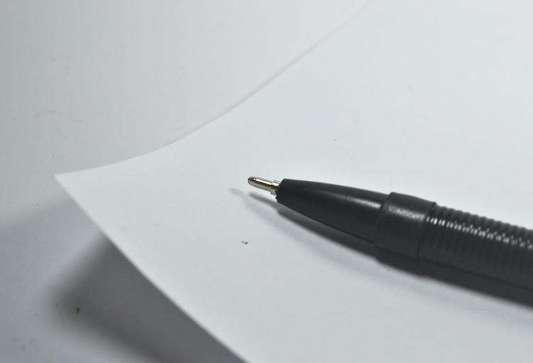 pero na papíře